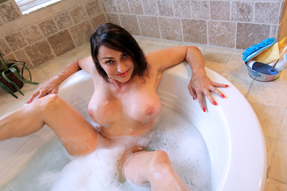 Bath escorts AceMassage Independent Escorts and Massage Parlours in London and the UK